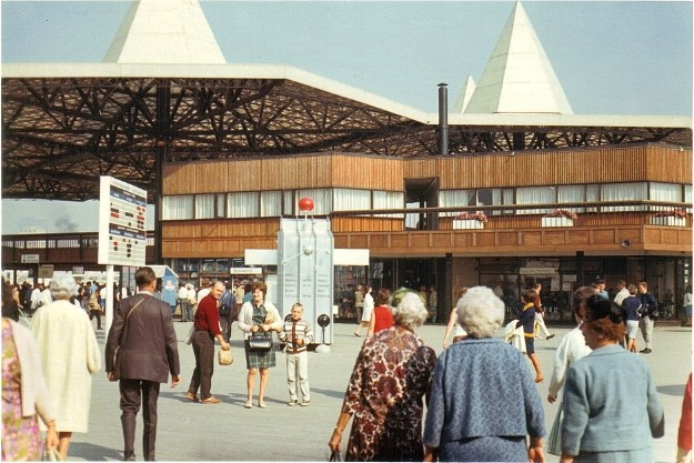 the expo 67 essay Expo 67, in its utopian aspirations, invited artists to create the world anew while including factual descriptions, interpretive essays, interviews.